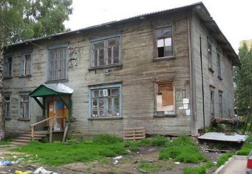 Недобудований будинок може поховати під своїми уламками черкащан (ВІДЕО)