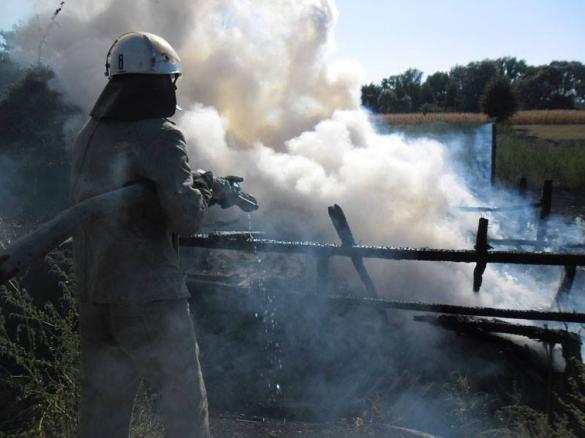 На Золотоніщині вогонь ледь не знищив житлові будинки