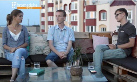 Креативні активісти дали інтерв'ю на даху (ВІДЕО)
