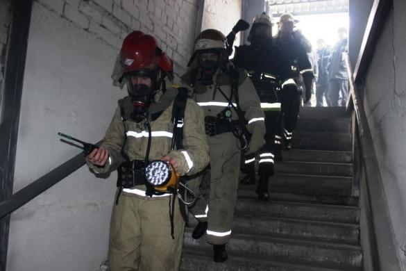 В умовах теплодимокамери перевіряли підготовку черкаських пожежників (ФОТО)