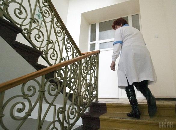 Прокуратура розслідує факти невиплати зарплати смілянським лікарям