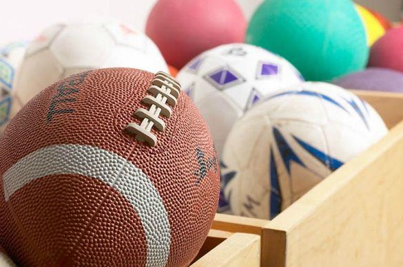 Черкаську спортивну школу оснастили новим інвентарем (ФОТО)