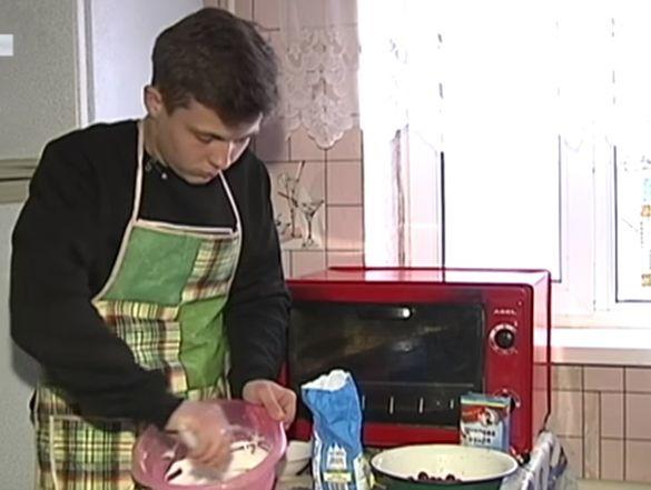 Юний бізнесмен: школяр із Черкащини виготовляє вишукані десерти на продаж
