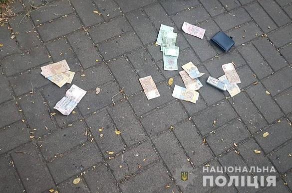 У самому центрі Черкас побили та пограбували чоловіка (ФОТО)