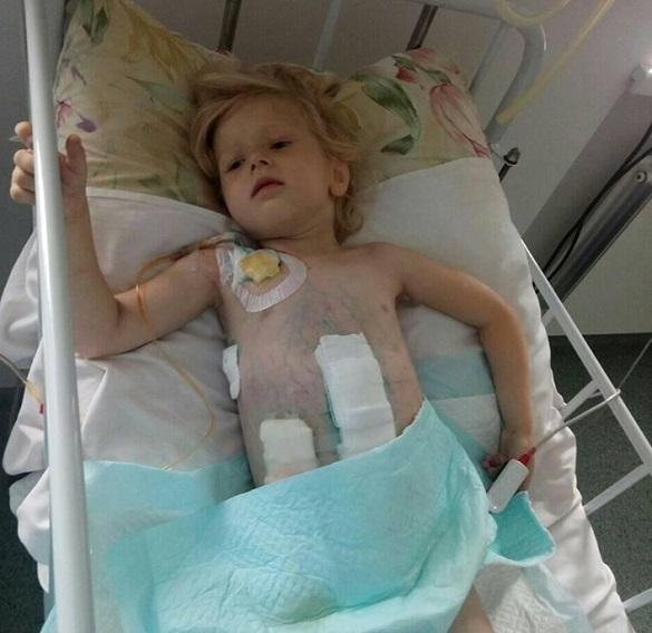 Маленька черкащанка, за життя якої боряться лікарі, потребує значних коштів