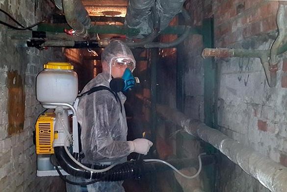 """Ехо отруєння: у """"Новій якості"""" запевняють, що обробляли приміщення у черкаській багатоповерхівці безпечною речовиною"""