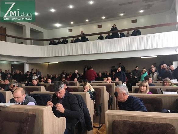 Дострокове звільнення мера Черкас не підтримали депутати