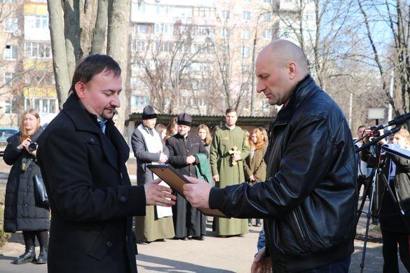У Черкасах з нагоди Дня виходу сил АТО з Дебальцевого відзначили військових та волонтерів
