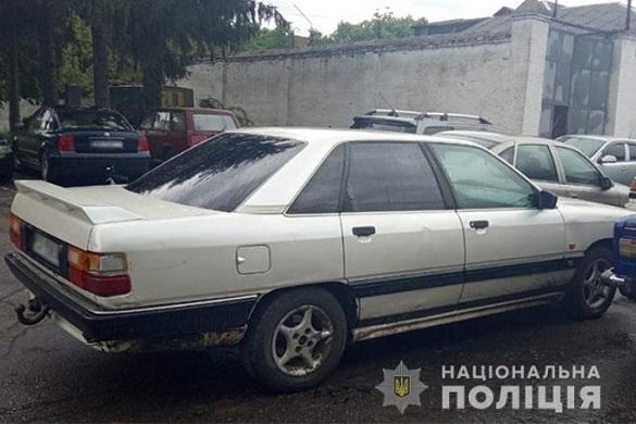Попутник викрав автомобіль у водія дорогою до Умані (ФОТО)