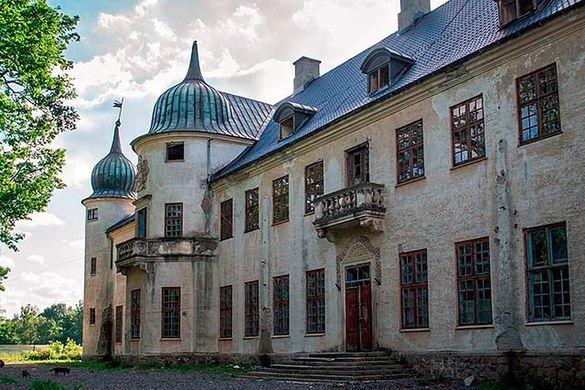 У Черкаській області хочуть відновити відомий замок