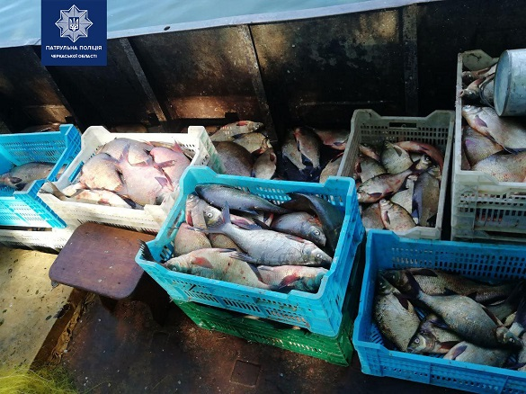 Промислові рибалки на Черкащині завдали шкоди на 450 тисяч гривень (ФОТО)