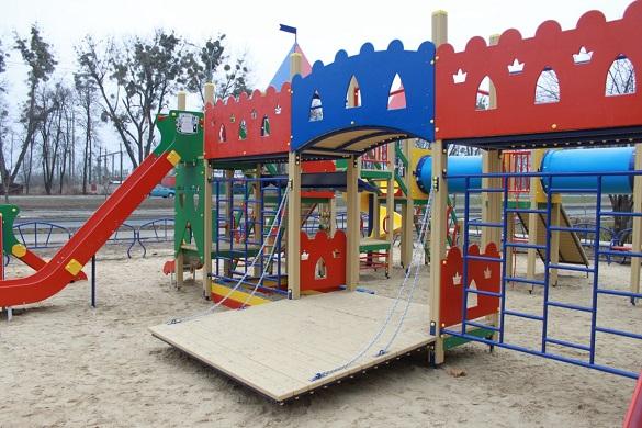 Черкасці просять облаштувати дитячий майданчик на одній з вулиць міста