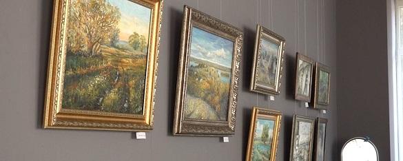 Природа та сільський побут: у Черкас відкрили виставку картин