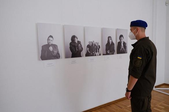 Війна очима рідних загиблих військових: у Черкасах показали фотопроєкт (ФОТО)