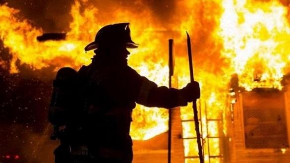 У Черкасах сталася пожежа у виробничому цеху (ВІДЕО)