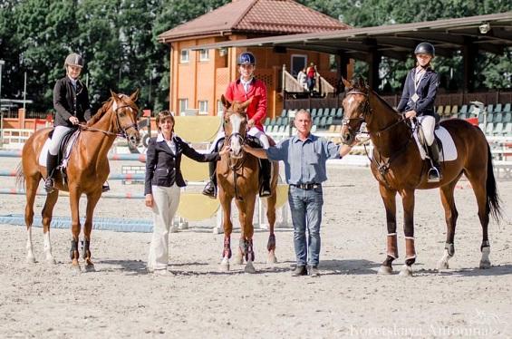 У Черкаській області відбувся чемпіонат із кінного спорту (ФОТО)