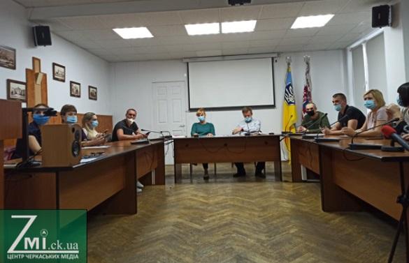 Двійники Бондаренка на посаду мера Черкас відмовились від реєстрації для участі у виборах