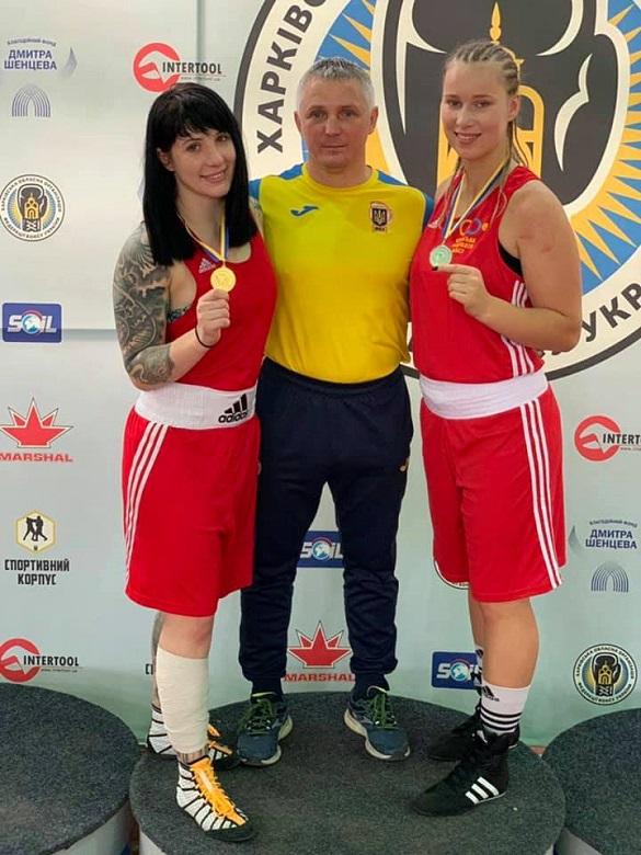 Черкаські боксерки отримали нагороди на Кубку України