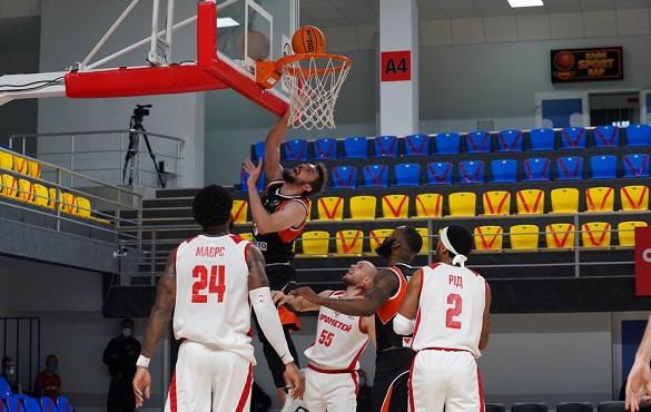 Черкаські баскетболісти поступилися в матчі