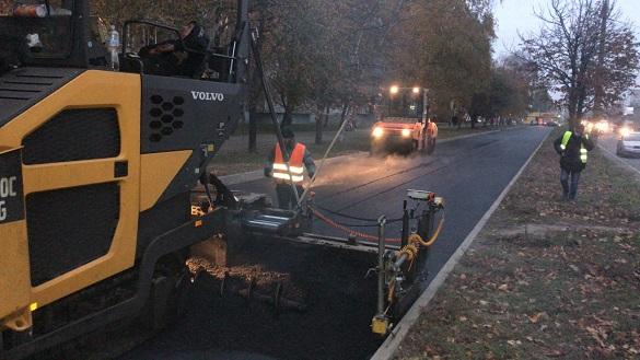 У одному з мікрорайонів Черкас розпочали ремонт проїздів