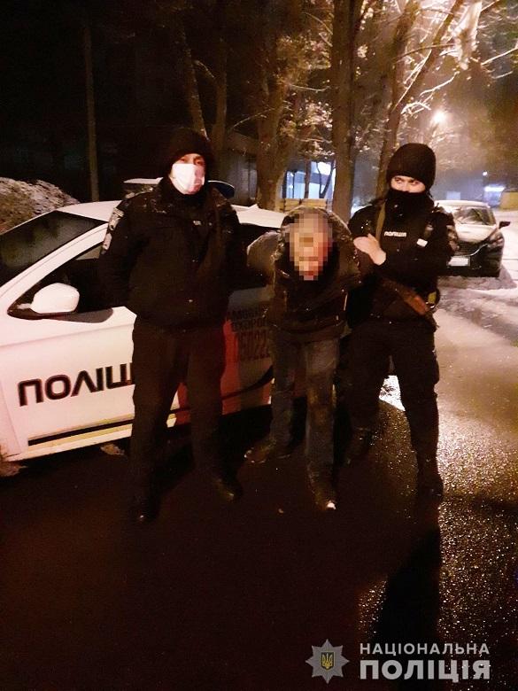 У Черкаській області затримали квартирного крадія, який намагався втекти на велосипеді