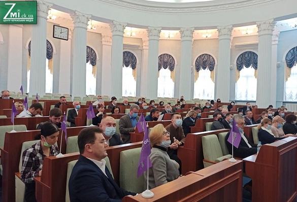 У Черкаській облраді обрали голів постійних комісій