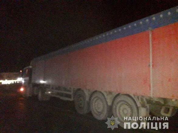 ДТП на Черкащині: під колесами вантажівки загинув пішохід