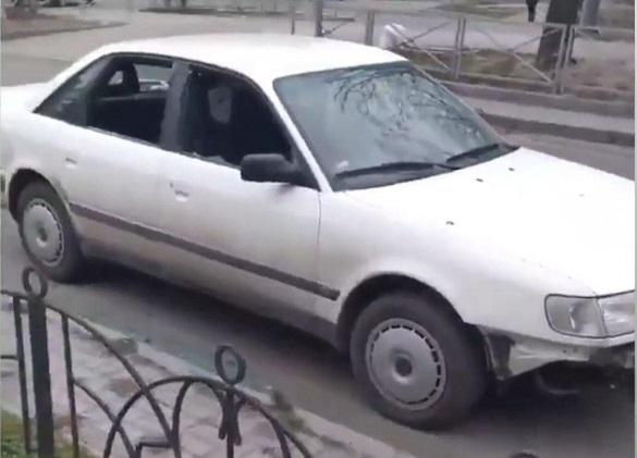 У Черкасах невідомі побили автомобіль (ФОТО)