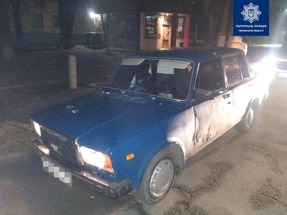 У Черкасах затримали водія, в автомобілі якого знайшли наркотики (ФОТО)