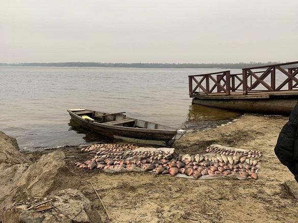 На Черкащині затримали браконьєрів, які наловили 100 кілограмів риби (ФОТО)