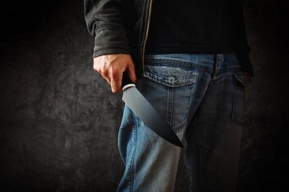 У Черкасах чоловікові, який ножем поранив товариша, оголосили про підозру