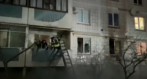 У Чекасах сталася пожежа: одна жінка отримала опіки (ВІДЕО)