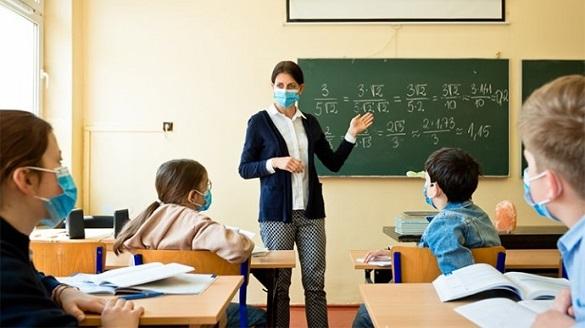 Понад 500 закладів середньої освіти на Черкащині повернулись до традиційного навчання