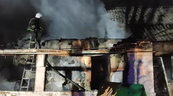 Через замикання електропроводки на Черкащині загорівся будинок