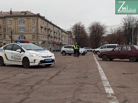 У Черкасах на бульварі навпроти ОДА можуть зробити парковку для автомобілів
