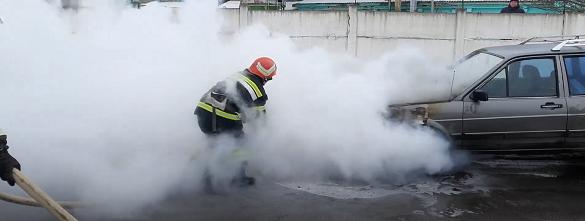 У Черкаській області під час руху загорівся автомобіль