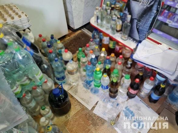 На одному з ринків Черкас жінки продавали фальсифікований алкоголь