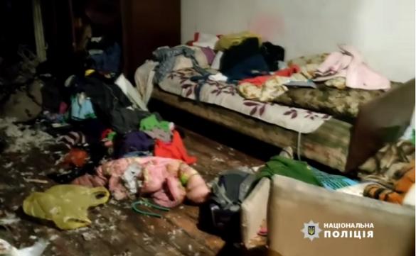 Гралися з сірниками: в Умані ледь не згоріли двоє дітей, яких мати залишила без нагляду