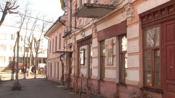 Можуть стати окрасою міста: дві черкаські будівлі потребують ремонту