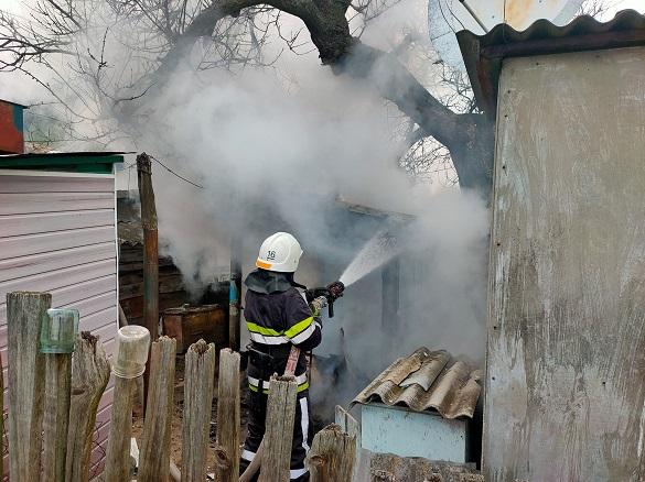 Можливий підпал та неправильне поводження з піччю: на Черкащині сталось дві пожежі