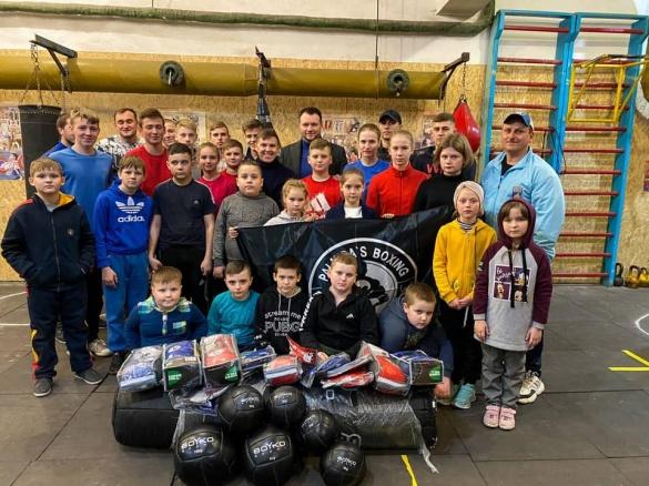 На Черкащині боксери отримали новий спортивний інвентар