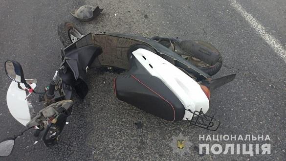 На Черкащині легковик в'їхав у мопед: двоє осіб травмувалися