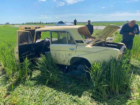 У Черкаській області автомобіль злетів у кювет: є постраждалі (ФОТО)