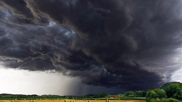 Грози, град та сильний вітер: на Черкащині прогнозують погіршення погодних умов