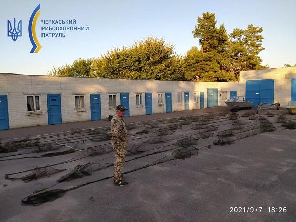 У Черкаській області виявили забороненні знаряддя лову: власника не встановили (ФОТО)