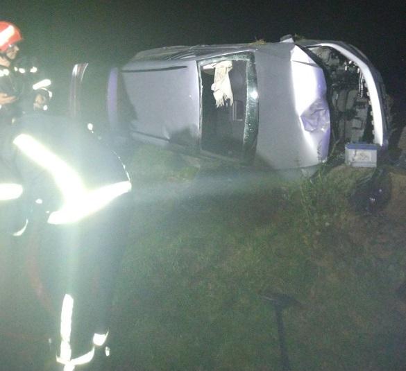 На Черкащині перекинувся автомобіль: двоє постраждало