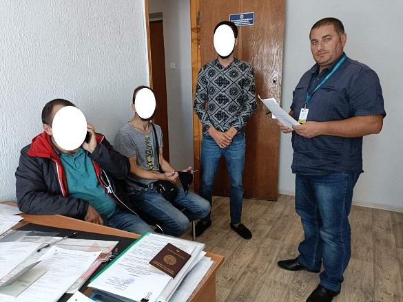 Двох такстистів, які вирішили підзаробити в Умані, оштрафували