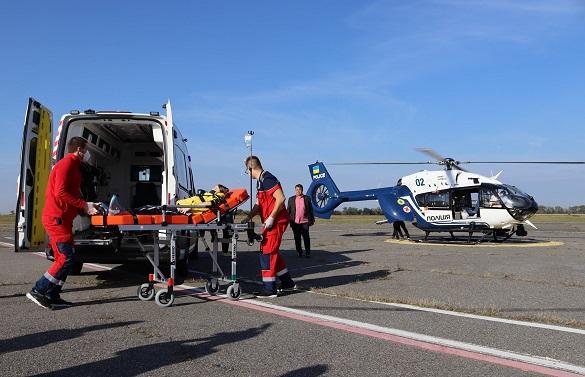 Вперше із Черкас до столиці гелікоптером транспортували важкохворого хлопчика (ФОТО)