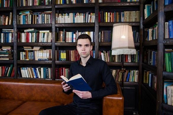 Черкаський випускник отримає 100 тисяч гривень премії