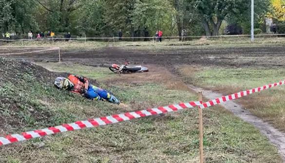 У Черкаській області під час мотокросу травмувався хлопчик (ВІДЕО)